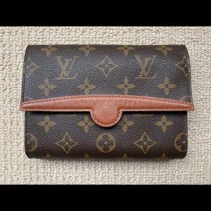 Vintage Louis Vuitton Florentine Pochette